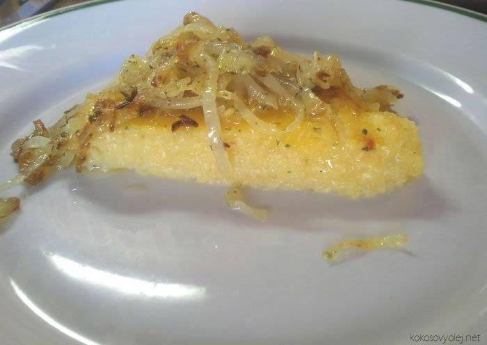 kukuričná polenta s cibuľkou