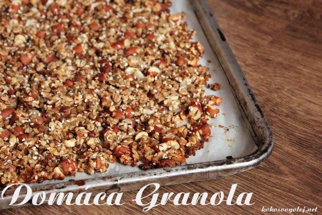 domáca granola s pohanku a mandlami