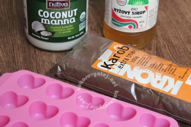 kokosové maslo, ryžový sirup, karob, silikónová forma