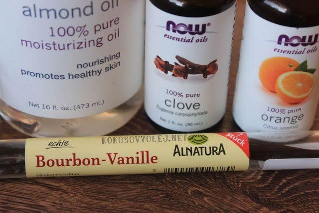 mandlovy olej na nechty a nechtovu kozicku