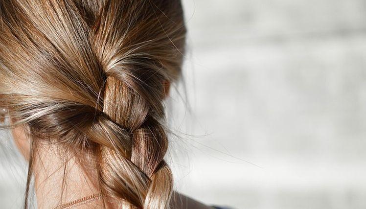 hydratacny sprej na vlasy